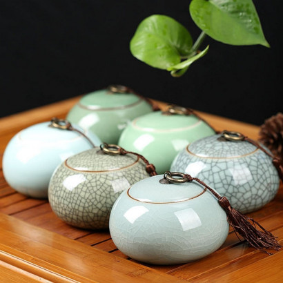 Celadon Ceramic Tea Storage Pot - Pan Shi