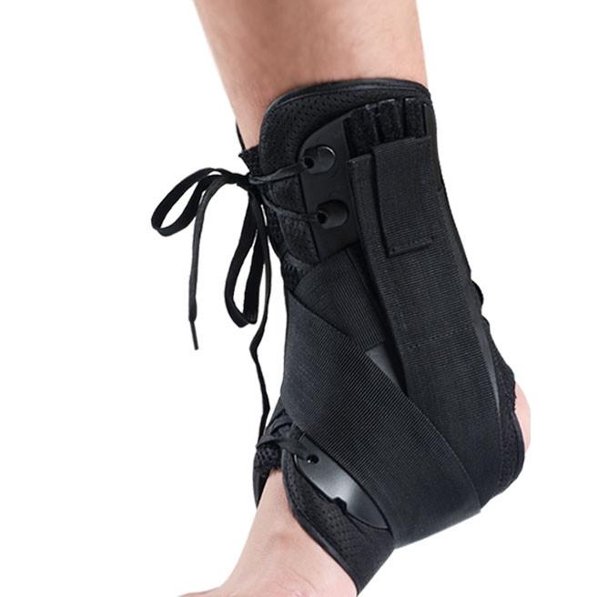 Garde de cheville avec des lacets
